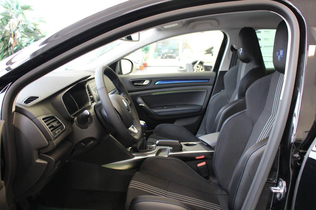 guma m vozilo u salonu renault megane 1 6 dci 130 ks. Black Bedroom Furniture Sets. Home Design Ideas